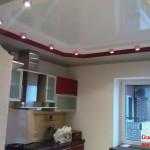 Натяжные потолки с окантовкой